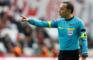 Chelsea-Barcelona clash will be officiated by Cakir.