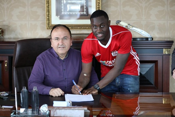 Henri Saivet of Newcastle moves to Turkey