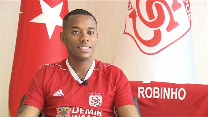 Robinho speaks about Alex de Souza legend of Fenerbahce