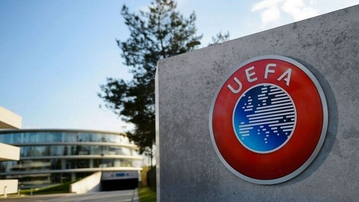 Galatasaray present finances to UEFA