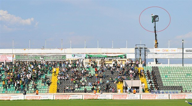 Denizlispor fan watching from crane
