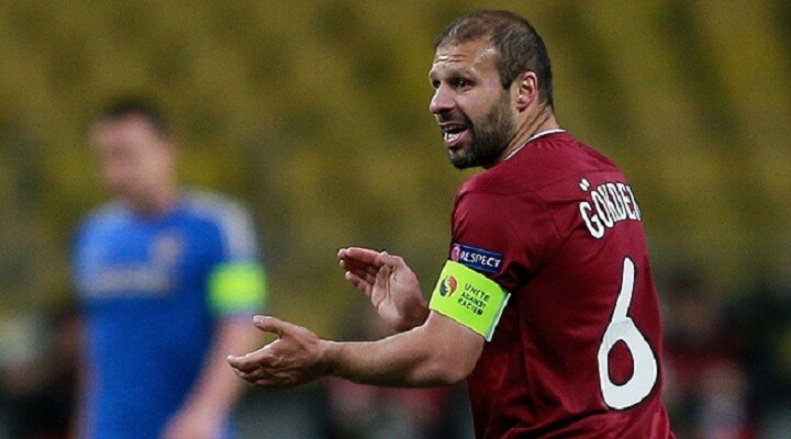 Gokdeniz Karadeniz retires from football