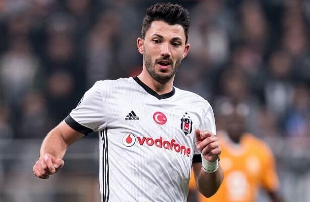 Roma offer €12m for Besiktas midfielder