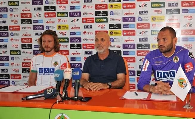Ufuk Ceylan and Taha Yalciner renewed their contracts with the club.