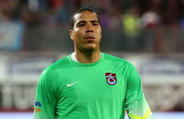Trabzonspor goalkeeper Esteban Alvarado plans to stay