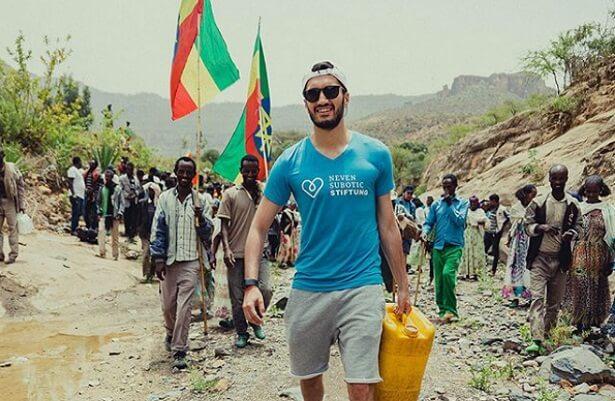 Nuri Sahin opens water well in Ethiopia