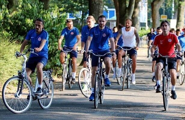 Antalyaspor wrap up Dutch camp with bike tour