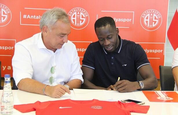 Aly Cissokho signs for Antalyaspor