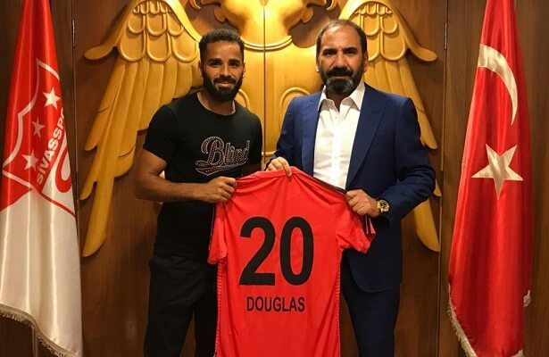 Barcelona star Douglas joins Sivasspor