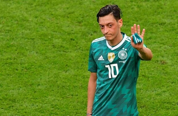 Mesut Ozil receives overwhelming support after decision to quit