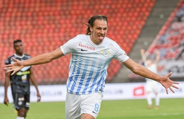 Swiss striker Michael Frey in Istanbul for Fenerbahce talks