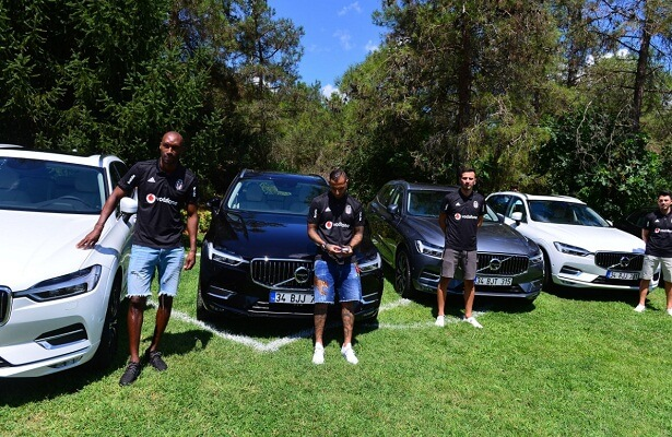 Besiktas players receive new cars from Volvo sponsor
