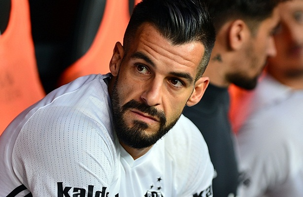 Negredo's transfer from Besiktas to Al-Nasr