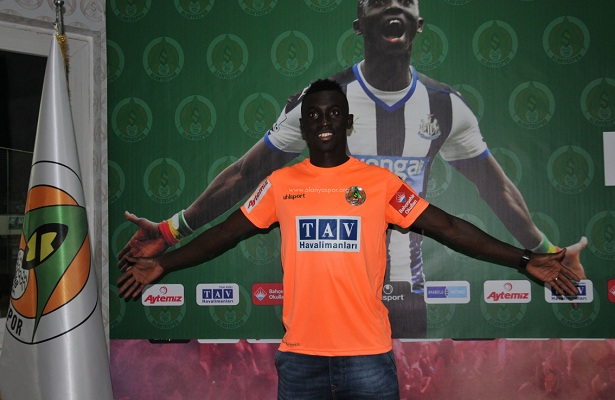 Papiss Cisse signs for Alanyaspor