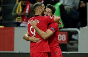 Turkey comeback stuns Sweden 3-2