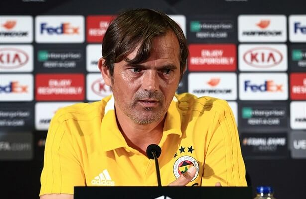 Cocu says Ali Koc did not ask for his resignation