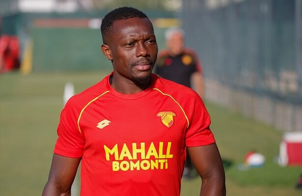 Adama Traore out for 6 months