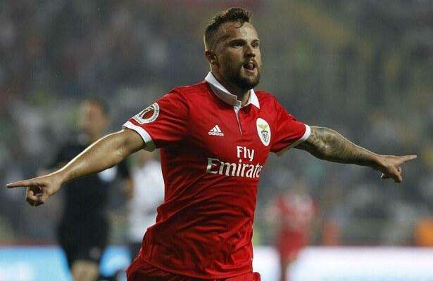 Galatasaray bid to loan Haris Seferovic from Benfica
