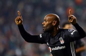 Santos want to sign Vagner Love