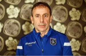 Istanbul Basaksehir manager's deal extended