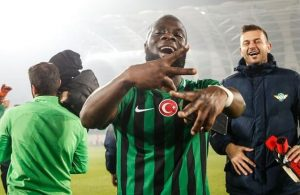 Akhisarspor striker Elvis Manu refuses to return