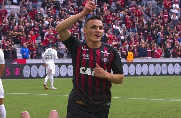 Fenerbahce bid €1.5m for Brazilian Raphael Veiga
