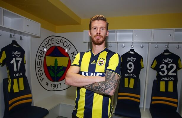 Serdar Aziz buys out contract, joins rivals Fener