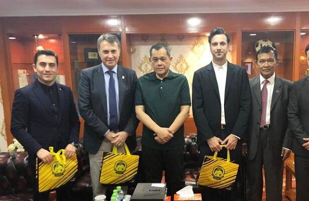 Besiktas president visits Malaysia