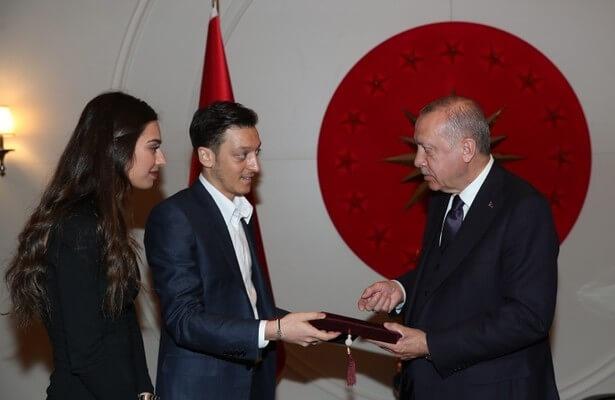 Mesut Ozil's Erodgan wedding invitation stirs controversy abroad