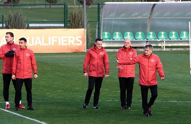 Gunes era begins as Turkey aim for Euro 2020