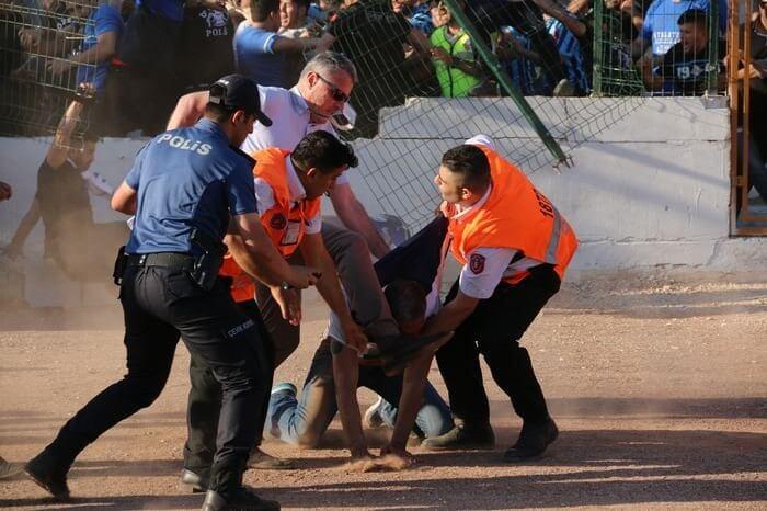 adanademirsporpolicefight