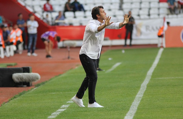 Antalyaspor to continue with coach bulent korkmaz