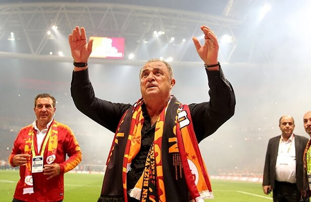 Fatih Terim signs contract extension with Galatasaray