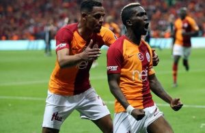 Galatasaray win derby, move to top of league