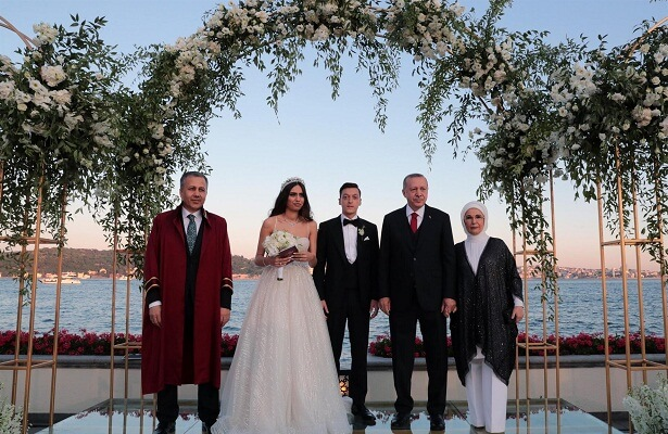 Mesut Ozil ties the knot in Istanbul
