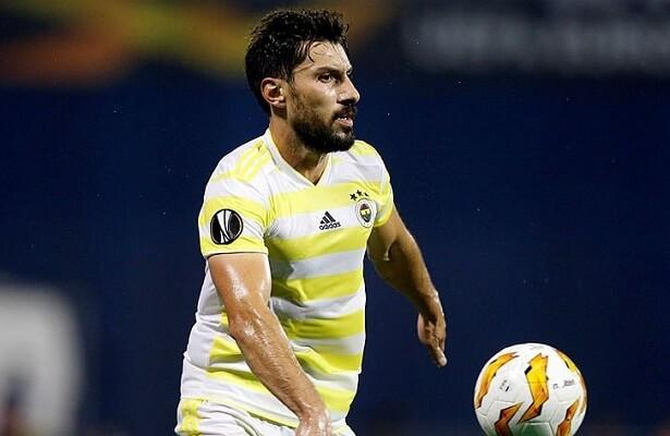 Sener Ozbayrakli to join Galatasaray