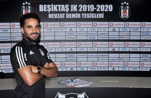 Besiktas sign Douglas from Barcelona