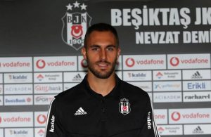 Besiktas sign Victor Ruiz from Villareal