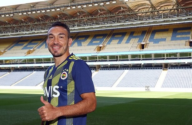 Turkish striker Mevlut Erdinc joins Fenerbahce