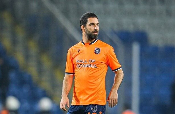 Istanbul Basaksehir coach hints at Arda Turan departure