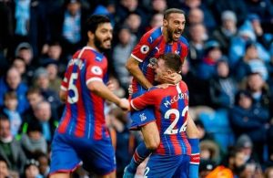 Cenk Tosun opens Crystal Palace account