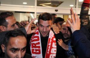 Ex-Arsenal star Lukas Podolski joins Antalyaspor
