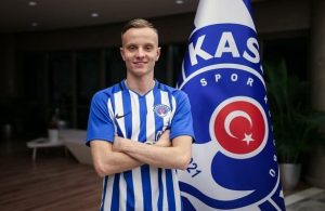 Kasimpasa loan Huddersfield Town right-back Hadergjonaj